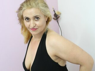 blondyhoty shows pics