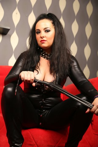 DommeAlissa live online